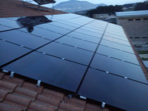 fotovoltaico-tetto-inclinato-castellammare-300x225 Castellammare del golfo Impianti realizzati